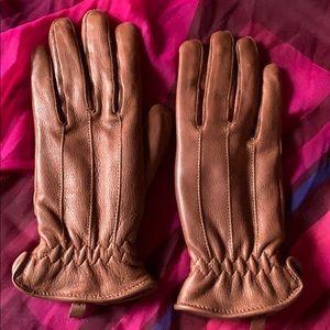 Brown deerskin gloves